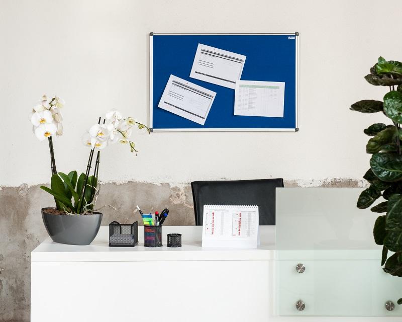 Textilní nástěnka AVELI 90x60 cm modrá, hliník.rám