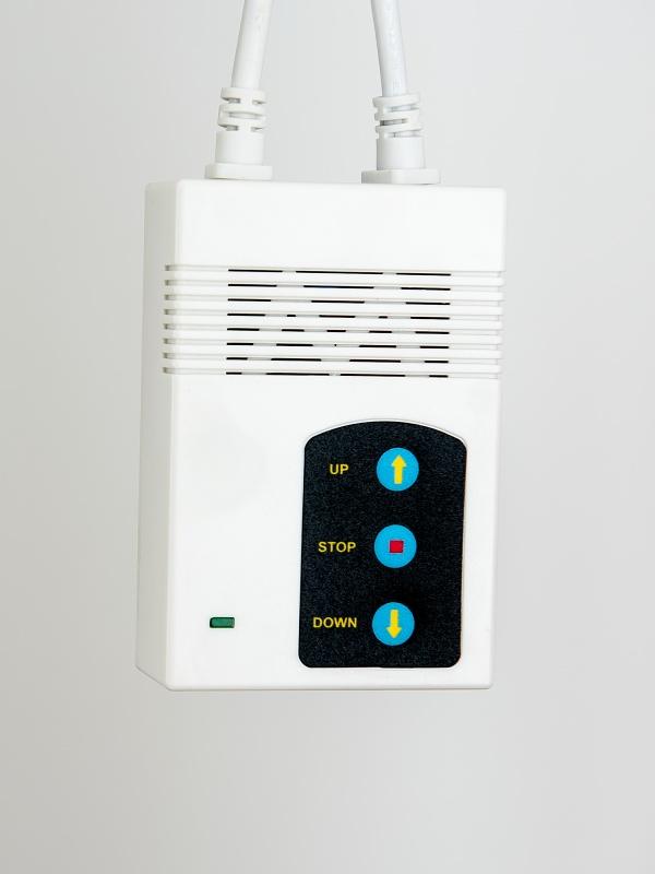 Elektrické projekční plátno AVELI, 813x610 (4:3)